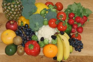 Image of fruits and vegetables that are sources of vitamin C